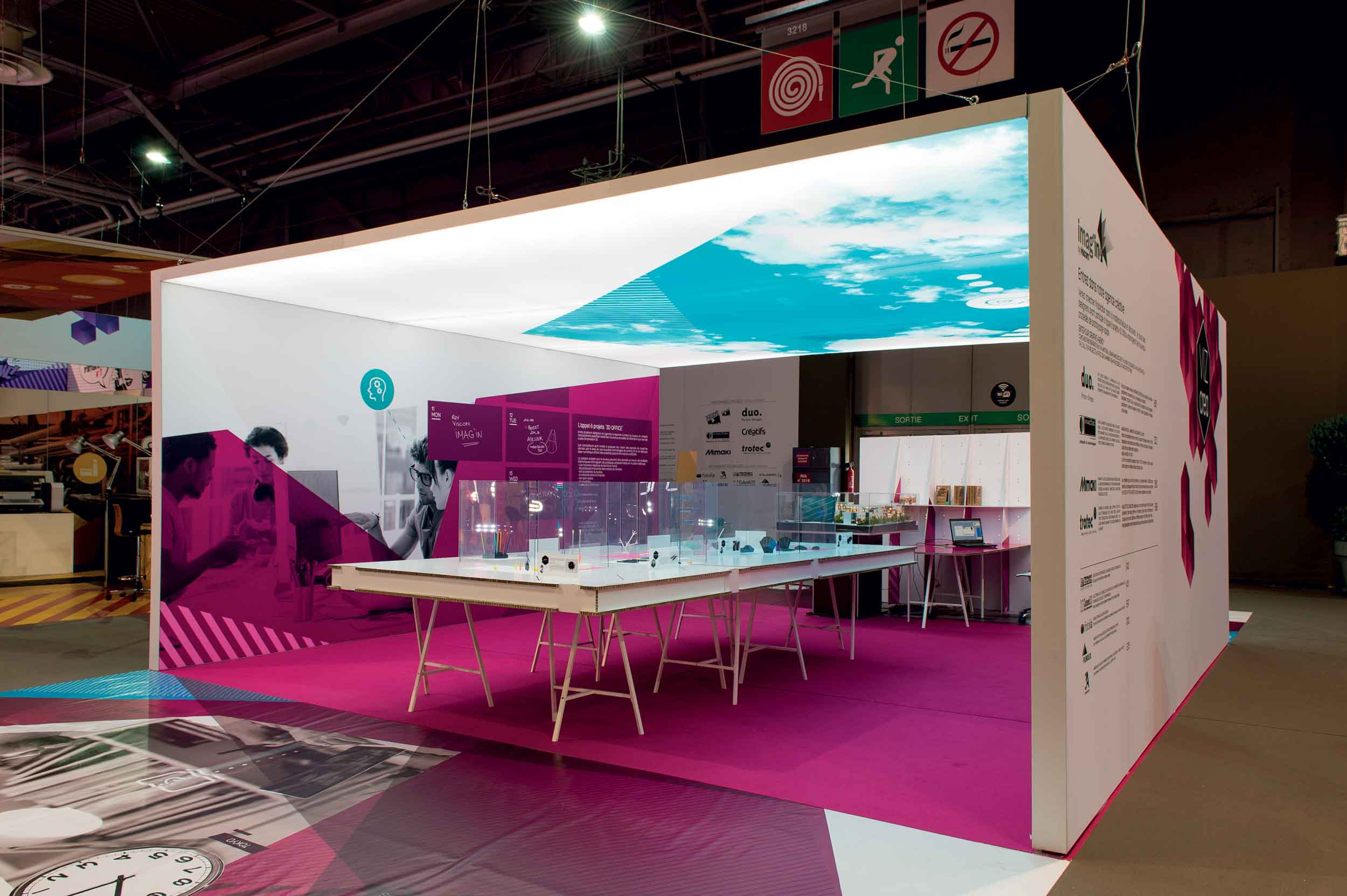Exhibition Booth Form : Standz trade show booth and retail space display